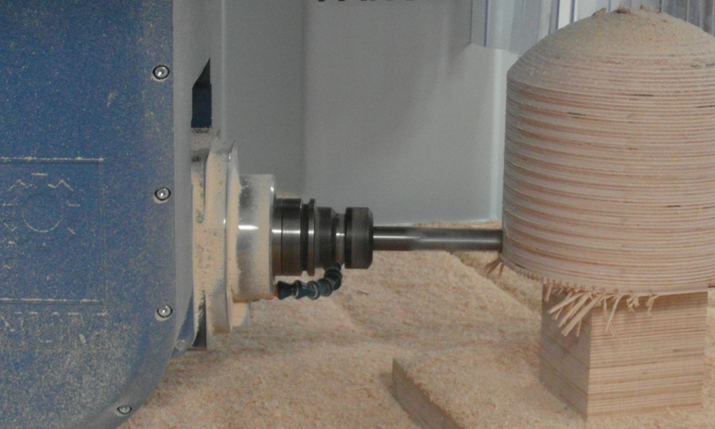 High power spindle (12 kW) allows operation of various materials.