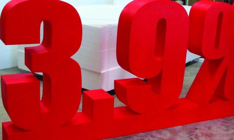 Litery 3D wykonane ze styroduru.